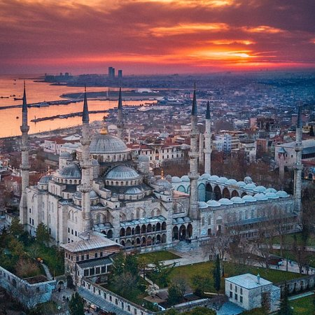blue-mosque-is-one-of